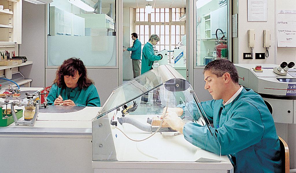 azienda-della-donna-laboratorio-odontotecnico-4